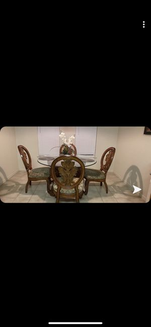 Dining table for Sale in Yuba City, CA
