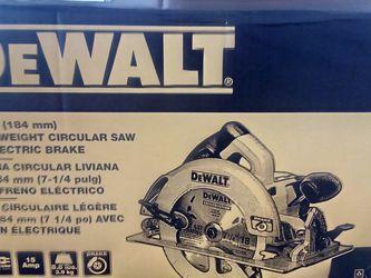 "Dewalt 7-1/4"" Corded Light Weight Circular Saw W Electric Brake for Sale in Sloan,  NV"