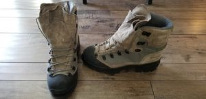 Men's Boots NEW Bates 10R Cold Weather for Sale in Del Sur, CA