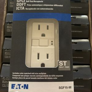 Eaton white 15-amp decorator outlet GFCI residential. (10-pack) for Sale in Garden Grove, CA