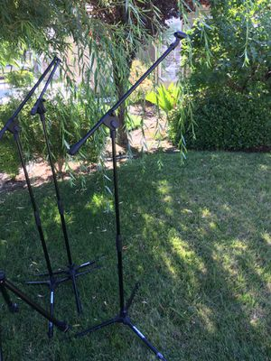 Lot Of 3 Samson MK10 Telescoping Lightweight Microphone Boom Stands ANd Whiteboard Stand $49 for Sale in Fresno, CA