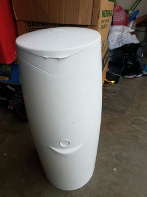 Diaper genie with 2 refill bags for Sale in San Jose, CA