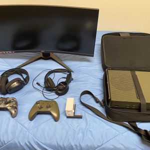 Xbox One Bundle Only Asking $450 for Sale in Lakeland, FL