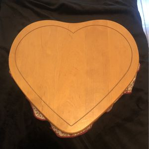 Large Longaberger Heart Shaped Basket With Lid for Sale in Whittier, CA