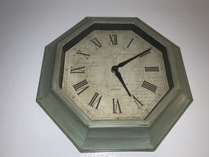 Antique style Wooden wall clock for Sale in Hialeah Gardens, FL