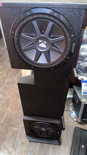 """2 12"""" kicker subs in pro box and 1800 db amp like new. for Sale in San Antonio, TX"""