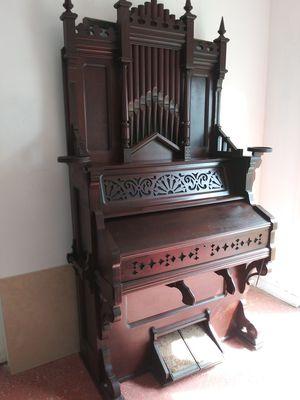 Antique organ for Sale in West Palm Beach, FL