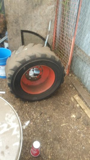 Bobcat tire for Sale in Los Angeles, CA