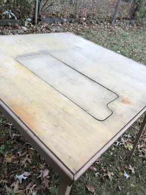 Used but Firm Table — indoors or outdoors for Sale in Elizabeth, NJ