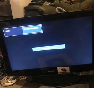 Samsung 32 in tv for Sale in Fresno, CA