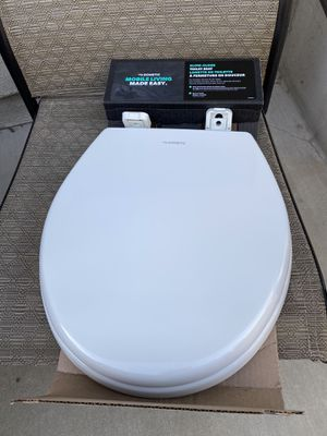 Dometic 310 RV Toilet seat cover for Sale in Long Beach, CA