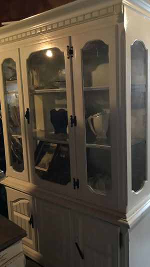 Antique white china cabinet ..NEED TO SALE BY SUNDAY !!! for Sale in Renton, WA