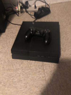1tb ps4 works comes with hdmi, and remote for Sale in Fresno, CA