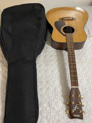 Yamaha guitar 🎸 for Sale in The Bronx, NY