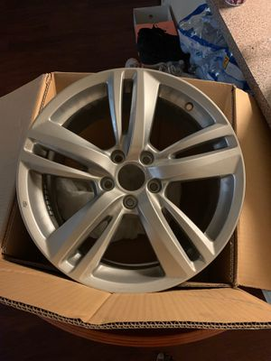 Brand new rims for sale comes with a tire pressure sensor for Sale in Austin, TX