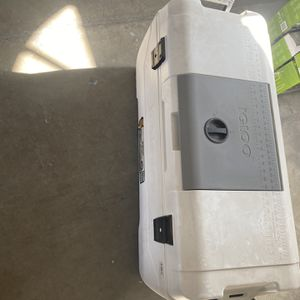 Extra Large Igloo Cooler for Sale in Hanford, CA