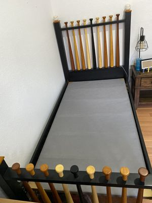 Twin bed for Sale in Miami, FL