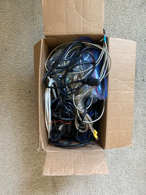 Box of misc power, data, and display cables for Sale in Orlando, FL