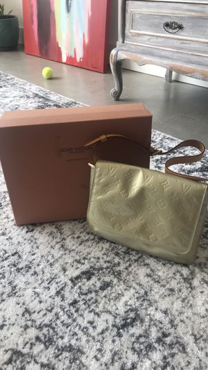 Louis Vuitton Thompson Street Vernis Shoulder Bag for Sale in Atlanta, GA