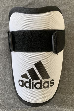 Brand new-Adidas pro series baseball elbow guard for Sale in Miami, FL