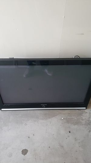 Free samsung TV with wall mount tested and works FREE!!! for Sale in Dana Point, CA