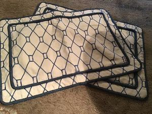 Free King SZ Pillow Shams for Sale in Riverview, FL
