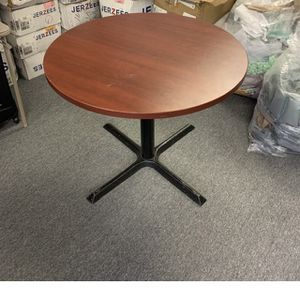 Table And Chairs for Sale in Montverde, FL