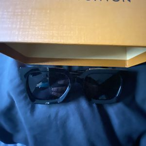 Millionaire LV glasses Brand New for Sale in Los Angeles, CA