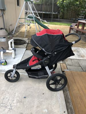 Graco Relay Click Connect Jogging Stroller for Sale in West Palm Beach, FL