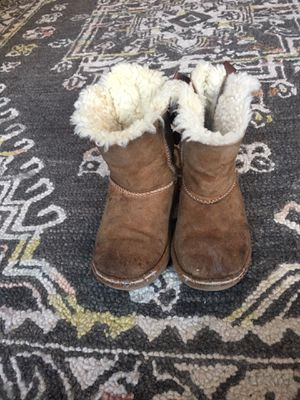 Toddler ugg boots size 10 for Sale in Festus, MO