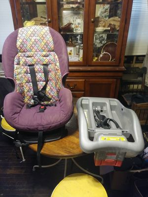 Girls car seat for Sale in Zanesville, OH