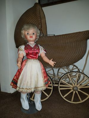 Antique doll for Sale in Cleveland, OH