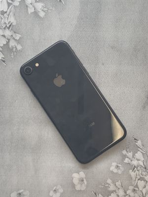 IPHONE 8 64gb unlocked for Sale in Boston, MA