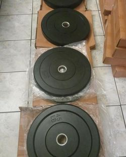 Bumper Plates (2x45Lbs,2x35Lbs, 2x25Lbs, 2x10Lbs) & 7ft Olympic Bar for $580 Firm on Price for Sale in Commerce,  CA