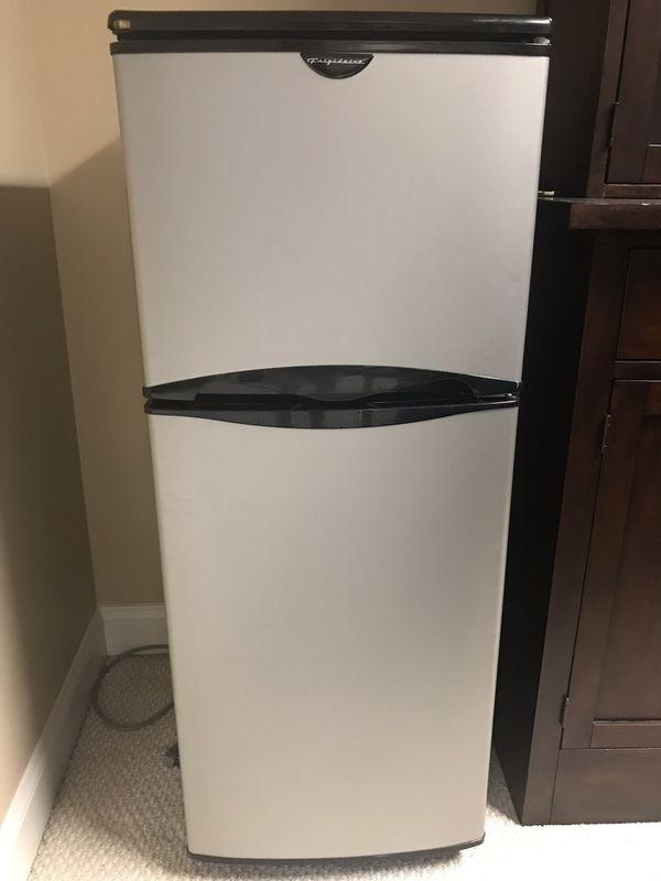 Small bar or dorm refrigerator 4.5 cubic feet