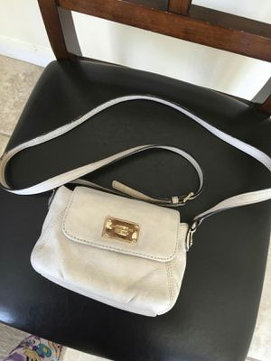 Michael Kors crossbody purse for Sale in Lincoln Acres, CA