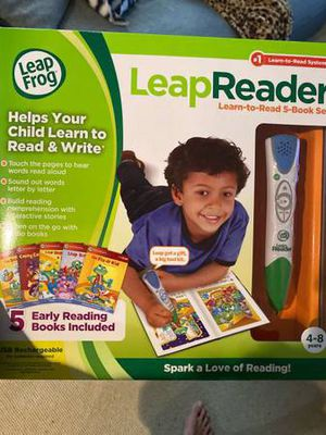 LeapReader Leap Frog - Learn to Read Set with 5 Books for Sale in Annandale, VA