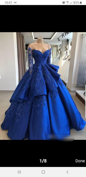 NEW QUINCEANERA DRESS size 2-4 for Sale in Miami, FL
