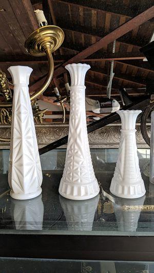 Vintage milk glass flower vase set for Sale in Pomona, CA