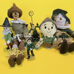 Wizard of Oz - Warner Bros Turner MGM - Scarecrow - Toy Figure Figurine Doll Lot Vintage for Sale in Brea, CA