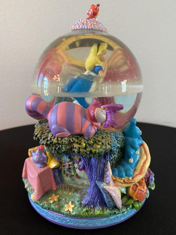 Disney Snow Globe Alice in Wonderland