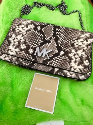 Bag Michael kors for Sale in Westminster, CA