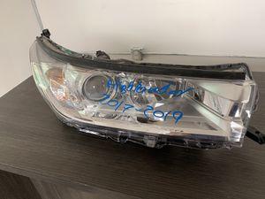 Toyota Highlander, 2017-2019, right headlight for Sale in Hialeah, FL
