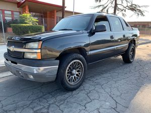 2004 chevy avalanche not for parts for Sale in Fontana, CA