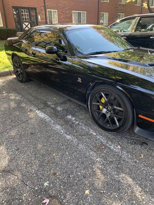 MUST SEE 2016 Dodge Challenger r/t Scat pack for Sale in Brentwood, TN