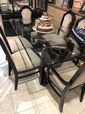 Dining room table chair and buffet for Sale in Pompano Beach, FL