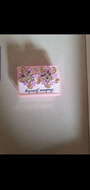 Woman earrings for Sale in Ruskin, FL