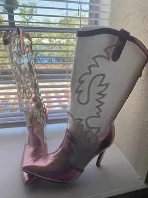 Size 5.5 pink cowgirl boots for Sale in Houston, TX