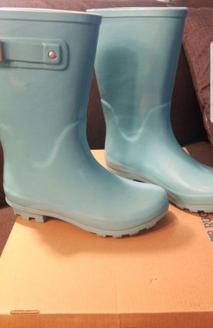 Girls rain boots size 2 for Sale in Rancho Cordova, CA