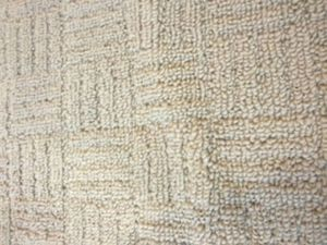 Nice big carpet for Sale in Triangle, VA